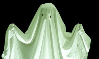 green sheet spook - creepyhalloweenimages