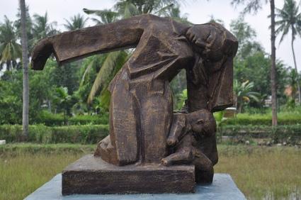 cc Flickr Claudia Schillinger photostream DSC-0535 My Lai, memorial for massacre
