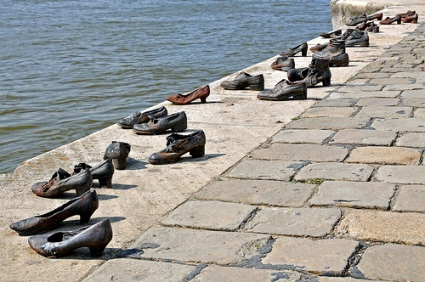 cc Flickr Dennis Jarvis photostream Hungary-0043 - Shoes on the Danube
