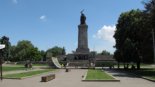 cc Flickr Tnarik Innael photostream The Soviet Army Monument 2011