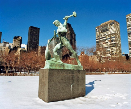 cc Flickr United Nations Photo photstream Statue by the Soviet Sculptor Evgeny Vuchetich