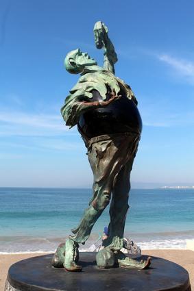cc Flickr Wally Gobetz photostream Puerto Vallarta Malecón - El Sutil Comepiedras