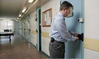 Bewaarder in een penitentiaire inrichting - Veiligheid en Justitie
