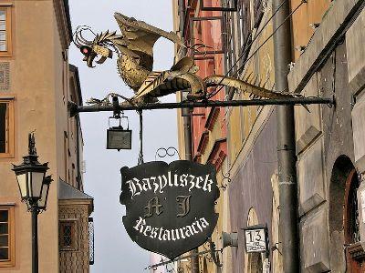 cc commons.wikimedia.org RestauracjaBazyliszek Rynek Starego Miasta w Warszawie