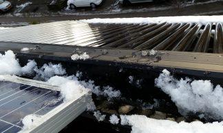 Zonneboiler in de sneeuw