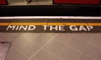 Mind The Gap - bixentro