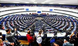 Debate and vote on Jean-Claude Juncker for President of the European Commission - European Parliament