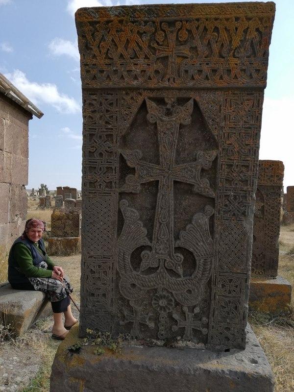 Een khachkar uit Noratus ((c) Livius.org)