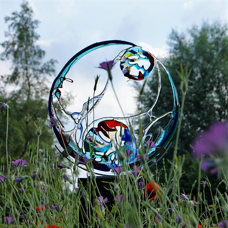 © WWR, courtesy Jannie Slootweg, glassculptuur World On A String