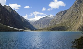 Laguna de Llanganuco Peru Huaraz - Martin Collazos