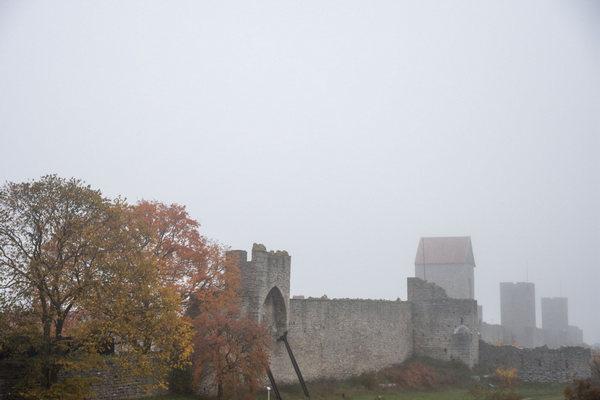 De stadsmuur van Visby (foto Bas Kamps)