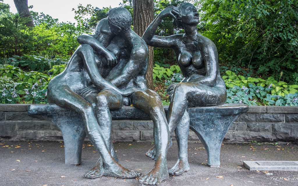cc Flickr Ted McGrath photostream 2017 - Montreal - Botanical Garden The Lovers Bench