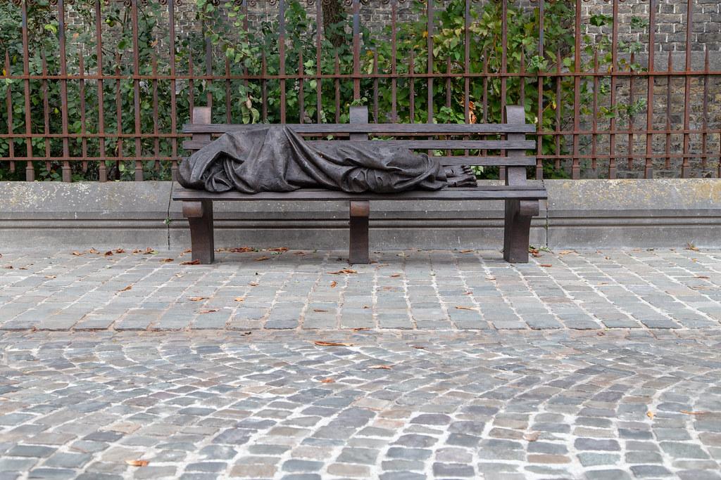 cc Flickr Tom Parnell photostream Homeless Jesus, Brugge