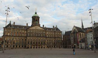Royal Palace @ Dam Square @ Amsterdam - Guilhem Vellut