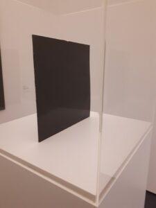 Black album white cube foto:Krina van der Drift
