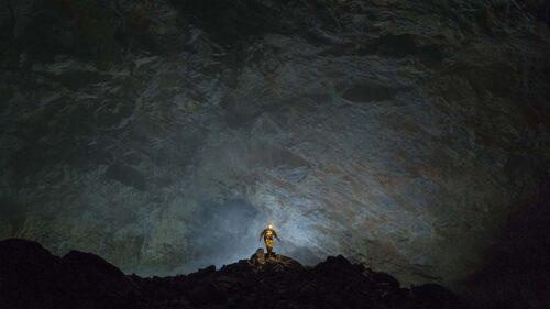 DREAMLIFE (videostill) 2020_©Melvin Moti_Emile op zoek naar zijn cave camp