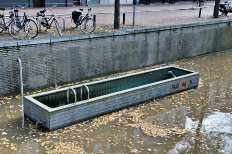 Flickr FaceMePLS Meetbaar Water, Groentemarkt Leeuwarden CC BY 2.0