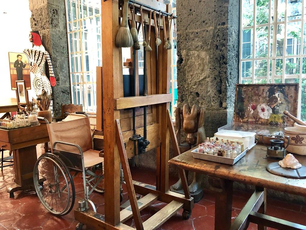 Flickr eltpics Frida Kahlo's studio, Mexico City CC BY-NC 2.0 Parafernalia